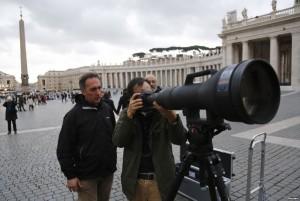 AI-Zoom-Nikkor-1200-1700mm-f5.6-8P-IF-ED-lens